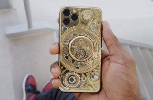 YouTuber делится своими впечатлениями от iPhone 11 стоимостью в 100K инкрустированным золотом и бриллиантами