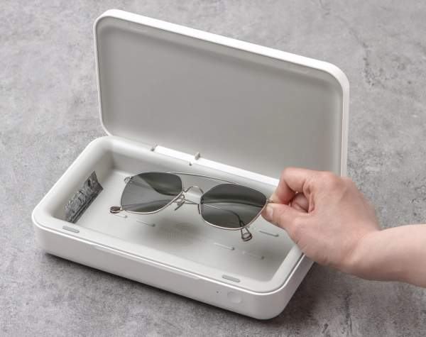 Новый УФ-стерилизатор Samsung дезинфицирует ваш телефон во время зарядки