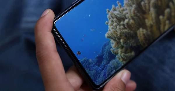Samsung в линейке Galaxy S21 отказывается от изогнутых дисплеев