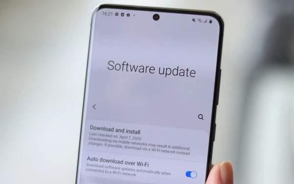 WFA одобряет One UI 3.0 и Android 11 для Galaxy S20 LTE / 5G