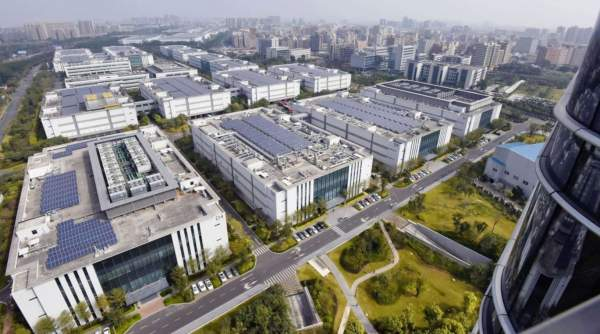 Huawei планирует построить собственный завод по производству микросхем в Китае