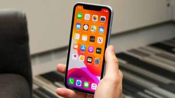 """Apple бесплатно заменяет """"зависающие"""" экраны iPhone 11"""