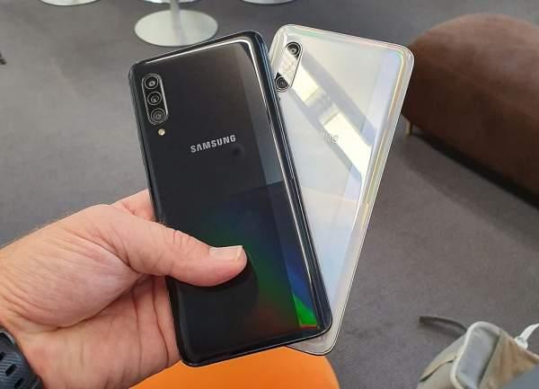 Galaxy A50 и Galaxy A90 - последние телефоны с обновлением One UI 2.5